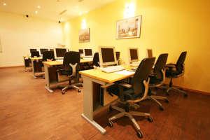 Seminarraum 4 für bis zu 14 Teilnehmer-PCs